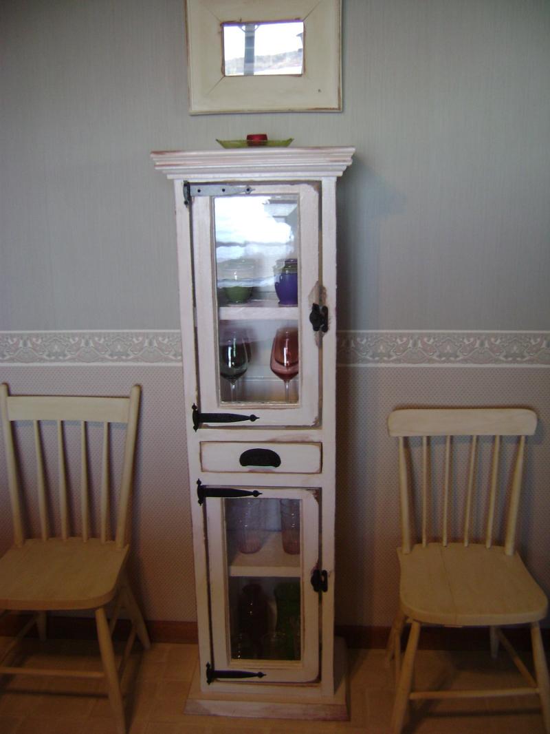 3P-White Window Pane Cabinet
