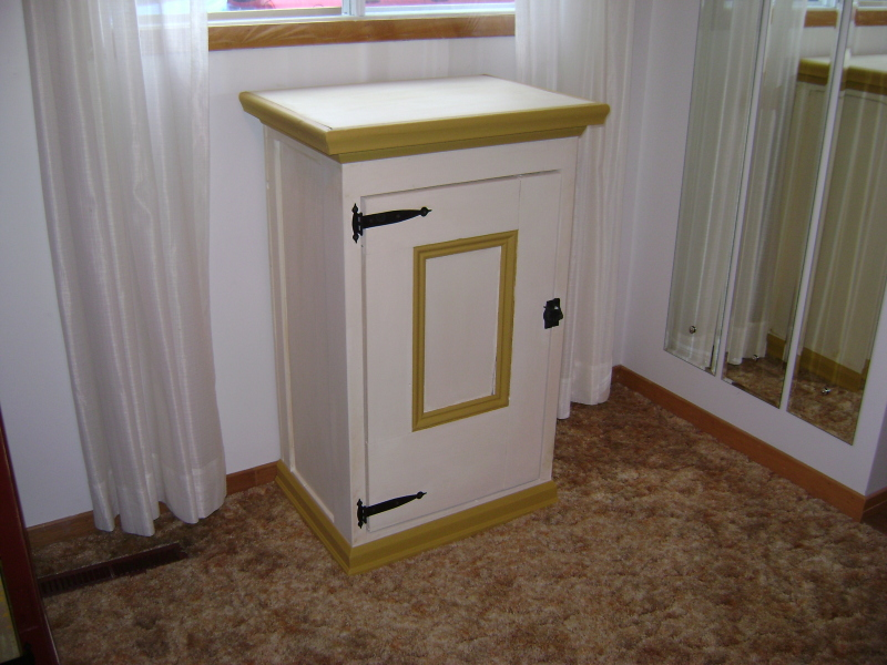 13P-Charming Little Cabinet
