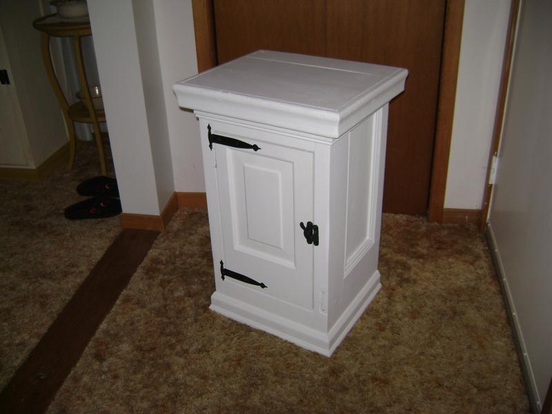 11P-White Door Panel Cabinet